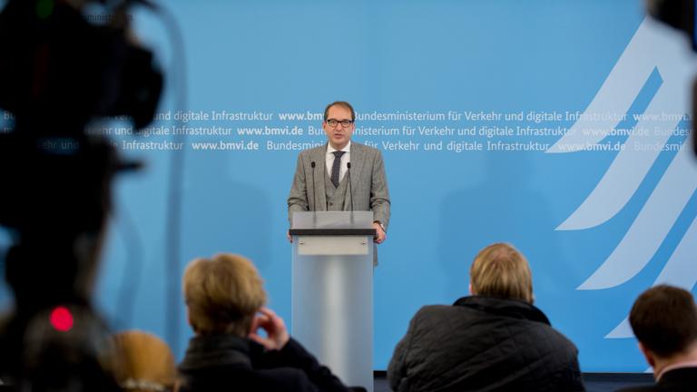 Foto: Pressekonferenz mit Minister Dobrindt zu Zukunftsforum digitales Planen und Bauen (BMVI)